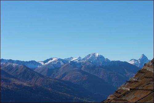 Bergwelt mit Tinzenhornjpg.jpg